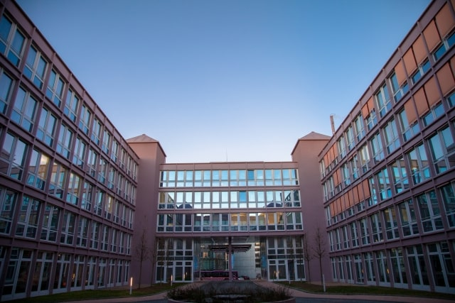 臨床工学技士の養成所(大学・専門学校)一覧【九州・11校】